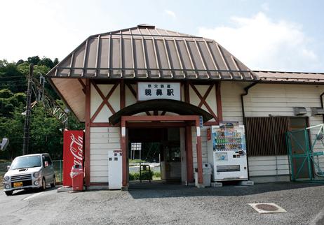美の山(蓑山) 秩父鉄道は週末にSLが走っており、鉄道マニアも訪れる