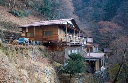 雲取山 山梨県側に位置する山小屋、三条の湯