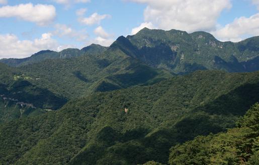 大普賢岳 大台ヶ原ドライブウェイから見た大普賢岳