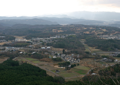 有馬富士山頂直下の岩場から六甲山方面の展望