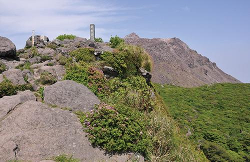 普賢岳 息を飲むパノラマの普賢岳山頂