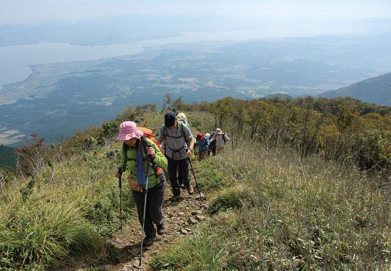 権現山(ごんげんやま)・ホッケ山 ホッケ山をめざして急登を登る