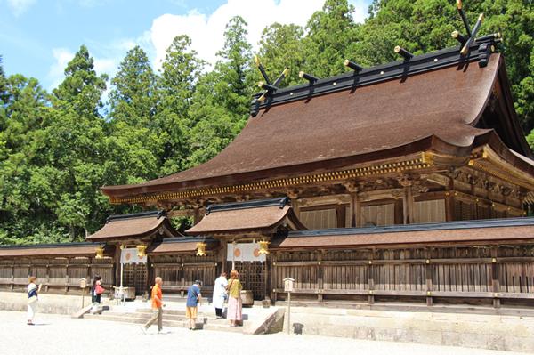 果無越 熊野本宮の主祭神は素戔鳴尊(すさのおのみこと)