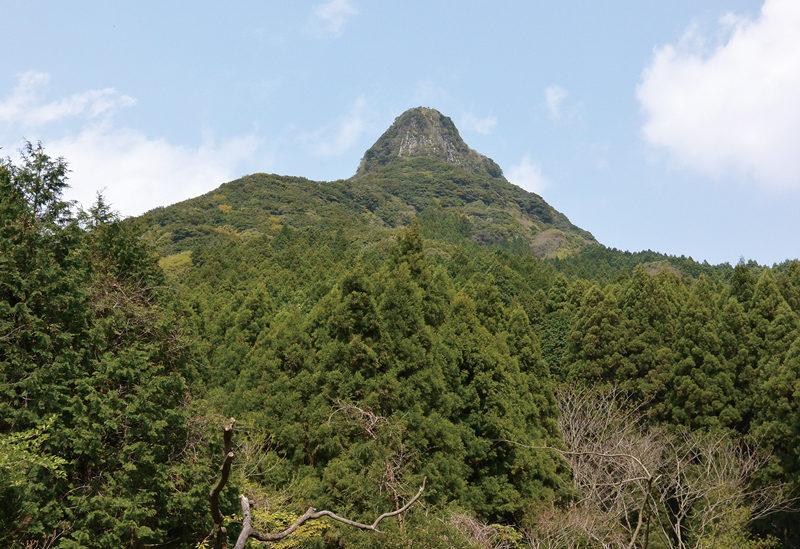 虚空蔵山 登頂意欲を掻き立てられる奇異なる山頂