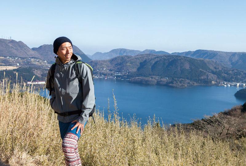 三国山 山伏峠には茶屋がある。眼下には芦ノ湖