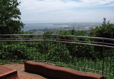 三浦富士 見晴らし台からは三浦半島を一望できる