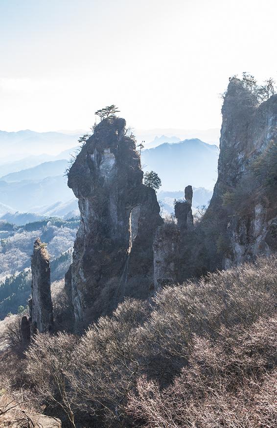 妙義山 奇岩が立ち並ぶ独特の景色は〝日暮らしの景〞と呼ばれる