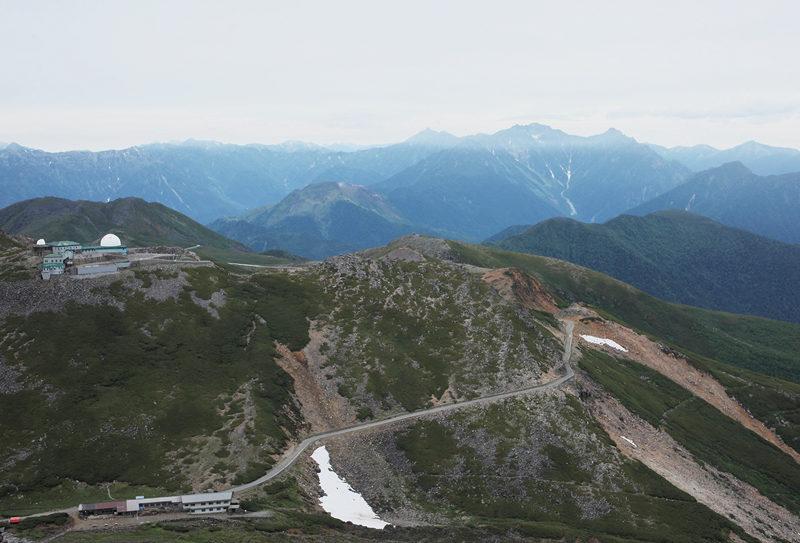 乗鞍岳 富士見岳からの眺望。最奥山並の向こうには穂高連峰