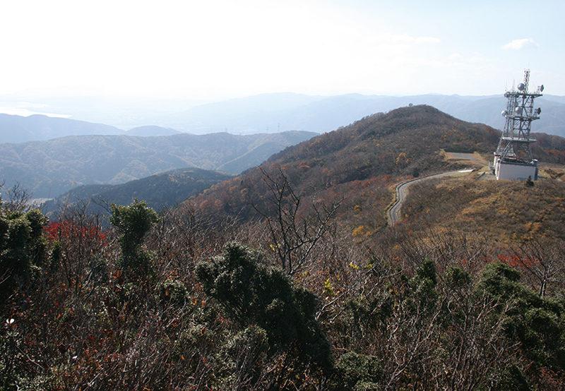 乗鞍岳 乗鞍岳の先にある電波施設