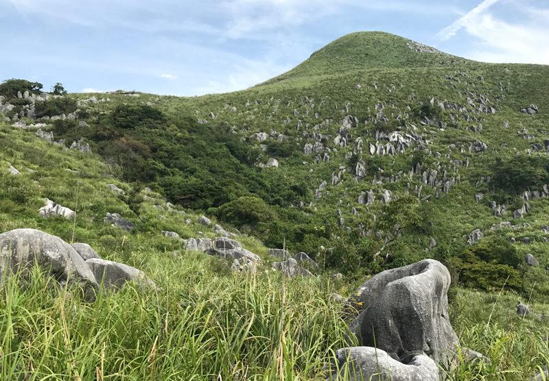貫山 カルスト地形がおもしろい