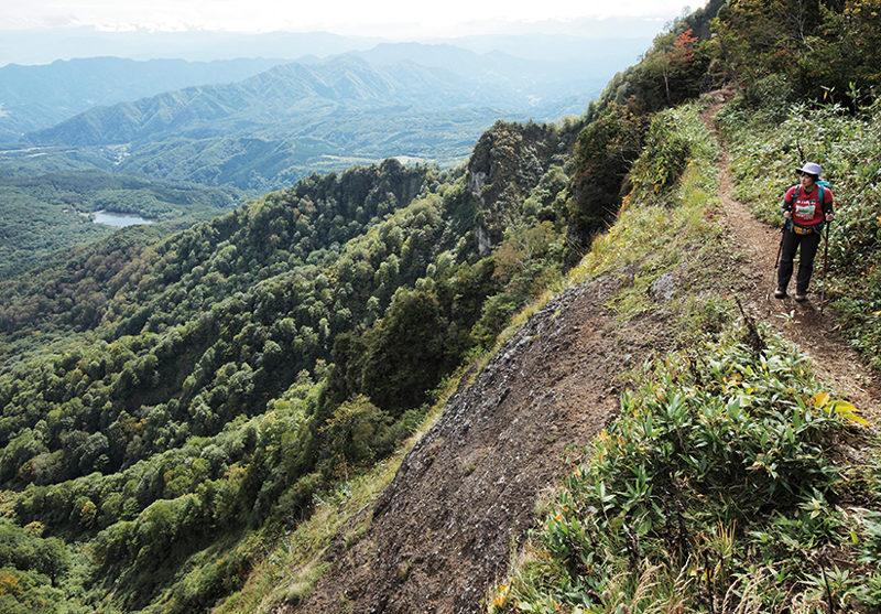戸隠山 高度感のある稜線歩きを楽しめる