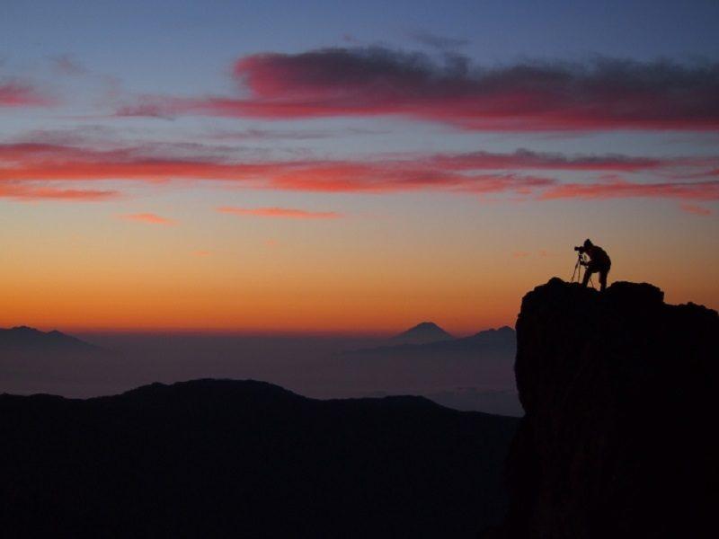 登山で朝焼けや夕焼けの撮影