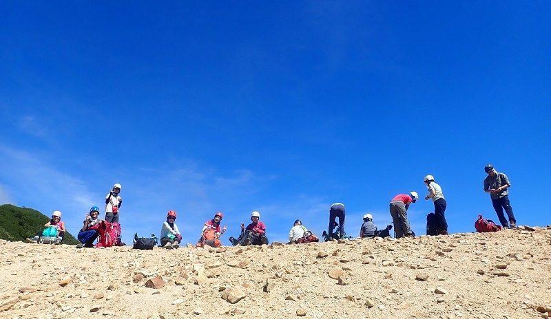 グループ登山 イメージ